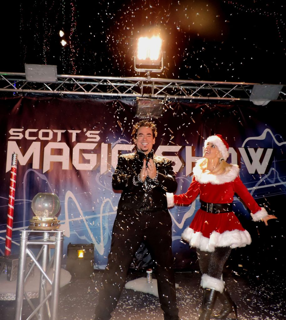 santas enchanted forest's snow show